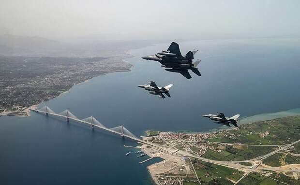 Турецкие истребители десятки раз вторгались в воздушное пространство Греции с начала года