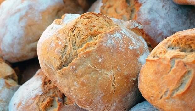 Бесплатный хлеб стали привозить находящимся на карантине в общежитии Подольска
