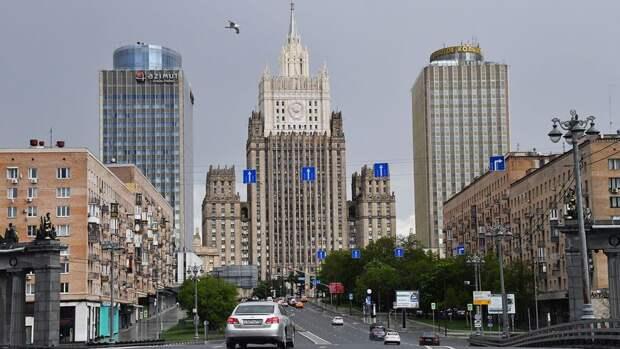 Лавров предостерег США и ЕС от любых форм участия в делах Белоруссии