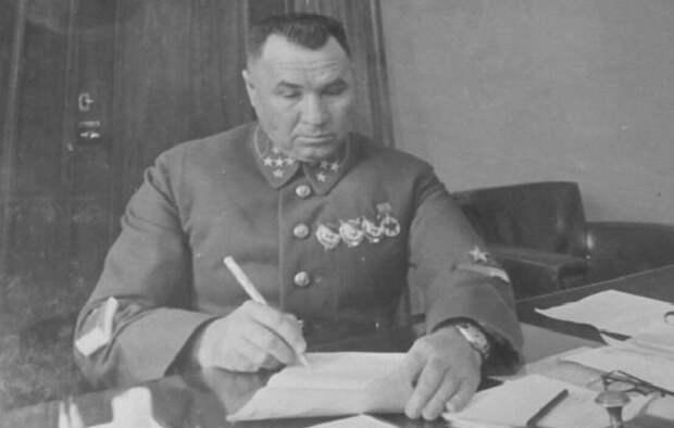 Что Сталин сделал с генералом, который обругал его матом