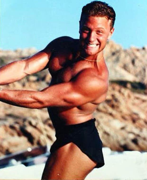 Вот как выглядел танцующий миллионер Джанлука Вакки в молодости