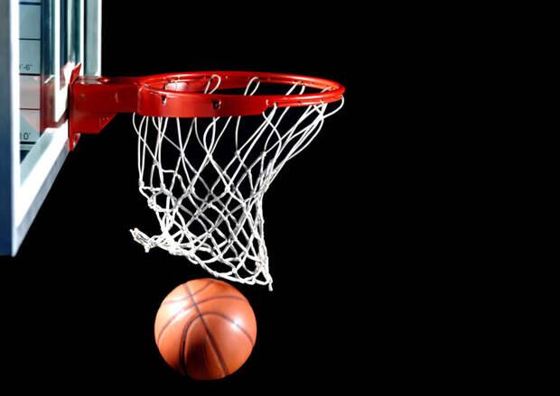 Приятно будет подарить медали в день рождения! И мужская, и женская команды по баскетболу 3х3 пробились в полуфинал