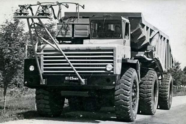 Карьерный автопоезд троллейвоз БелАЗ. Экспериментальная 524 модель от 1964 года СССР, автомобили, советская техника, советские машины