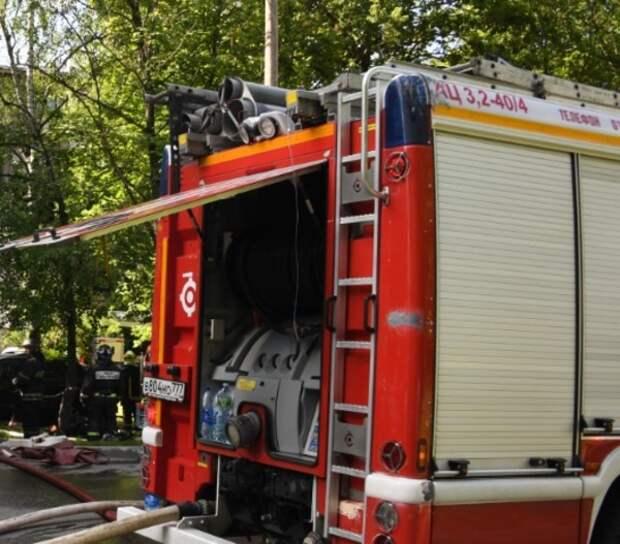 В жилом доме на западе Москвы произошёл пожар - возможен взрыв газа