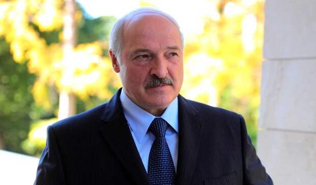 Эксперт: Лукашенко помогает Западу разгонять революционную волну в Белорусии
