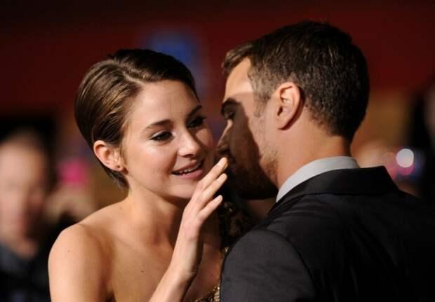 Звёздные пары, которые изображали романтические отношения ради рейтинга