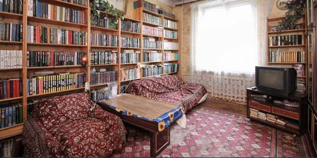 Киношники бы оценили. В Минске продается квартира, в которой время замерло несколько десятилетий назад