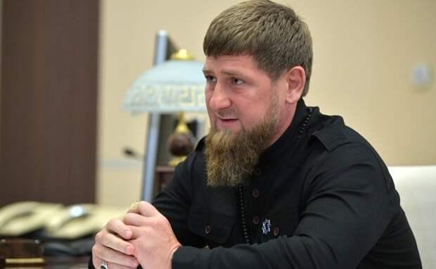 Пятилетний ребёнок отжался  более четырех тысяч раз и получил Mercedes от Кадырова