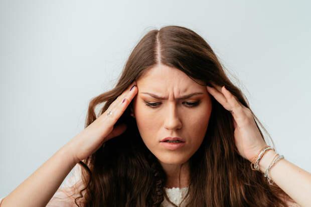 Почему «болят» волосы наголове