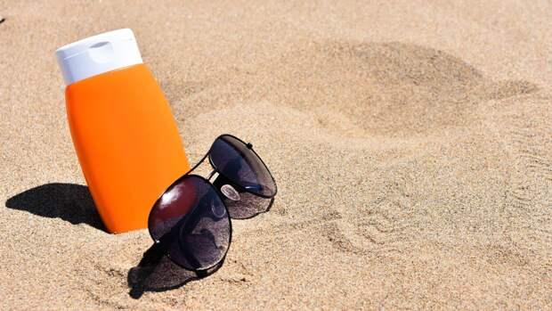 МЧС рекомендует использовать на пляже солнцезащитный крем
