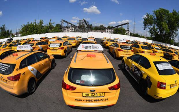 Водителей такси начнут проверять строже