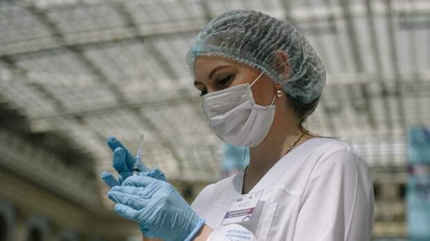 Иммунолог Ярцева считает целесообразным предоставление двух выходных после вакцинации