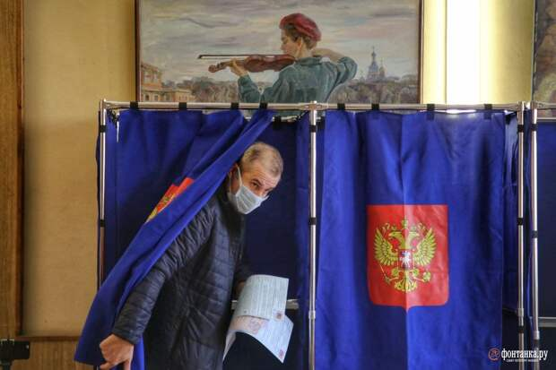 Пятница-мандатница. Как бюджетники Петербурга дошли до участков в первый день голосования