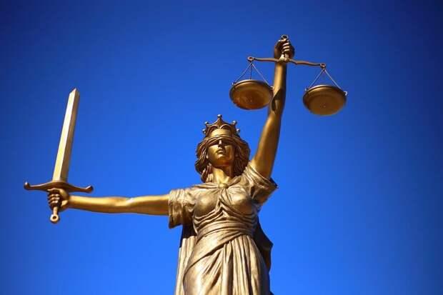 Лефортовский суд приговорил драчуна сломавшего нос девушке-полицейскому