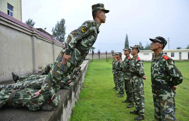 Самые сложные армейские тренировки: упражнения выполняют единицы