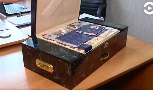 Пожилой житель Пензы купил ложки из нержавеющей стали за 300 тысяч рублей