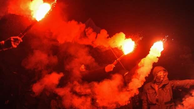 Украинский эксперт предрек Киеву «бессмысленный и беспощадный» бунт
