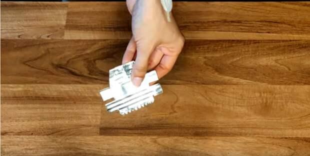 Нож для скотча из консервной банки, который пригодится в быту