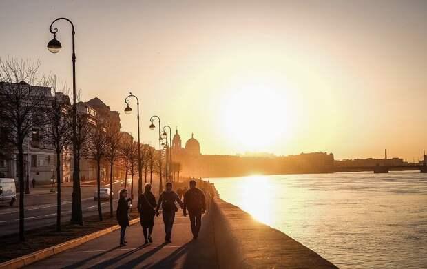 Петербург повторяет за столицей: в городе готовятся ввести жесткий локдаун