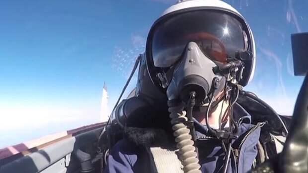 Пилоты НАТО после учений на МиГ-29 и Су-22 пили водку и жарили шашлыки