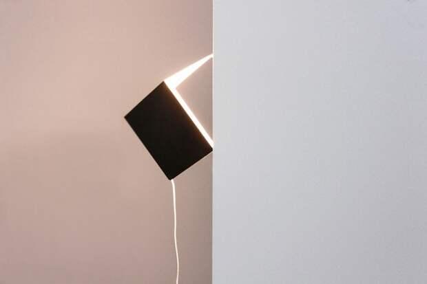 Два примера угловых светильников