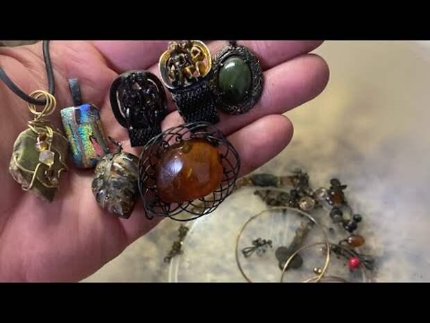 Дайвер вернул найденные под водой украшения, которые были украдены полтора года назад
