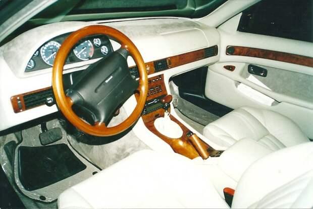 Как и на этом! Белый салон Maserati — шик. Интересно, где сейчас эта машина и в каком состоянии салон? автовыставка, автосалон, выставка, ретро фото
