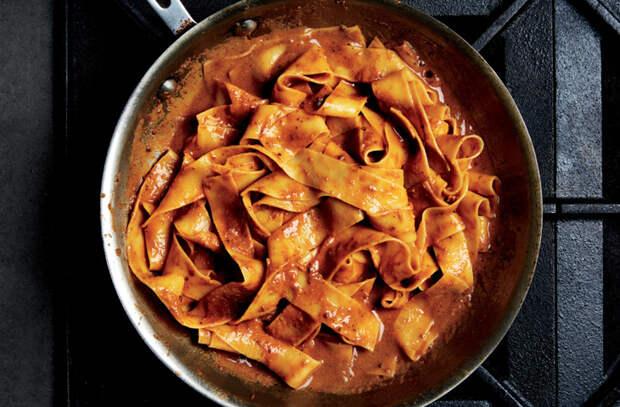 Достаем фарш, но вместо котлет готовим вкусную еду: пирог, рагу и заворачиваем в лепешки
