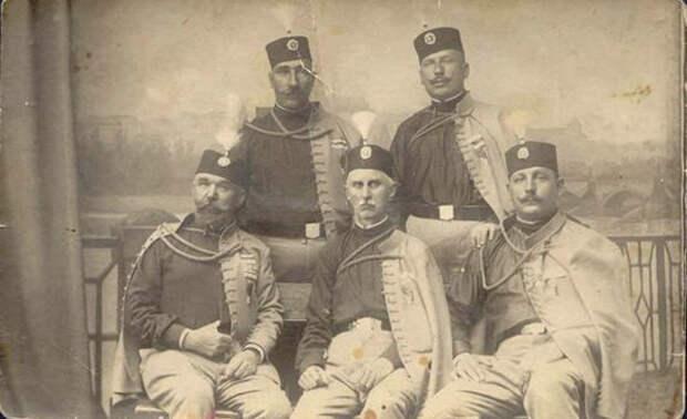 Члены тайной националистической организации Черная рука. 1911 год