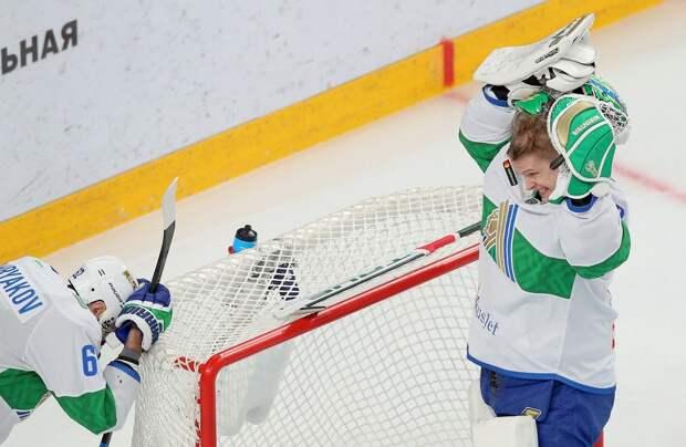Вайсфельд: «Салават Юлаев» играет как-то без эмоций. Вроде хоккеисты и стараются, а азарта нет»