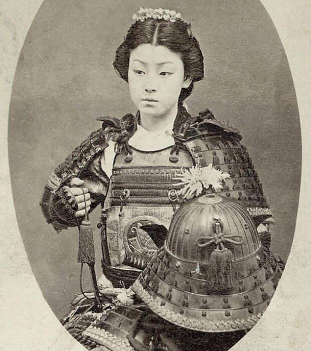 Одна из Онна-Бугэйся, женщина Самурай верхней буси.