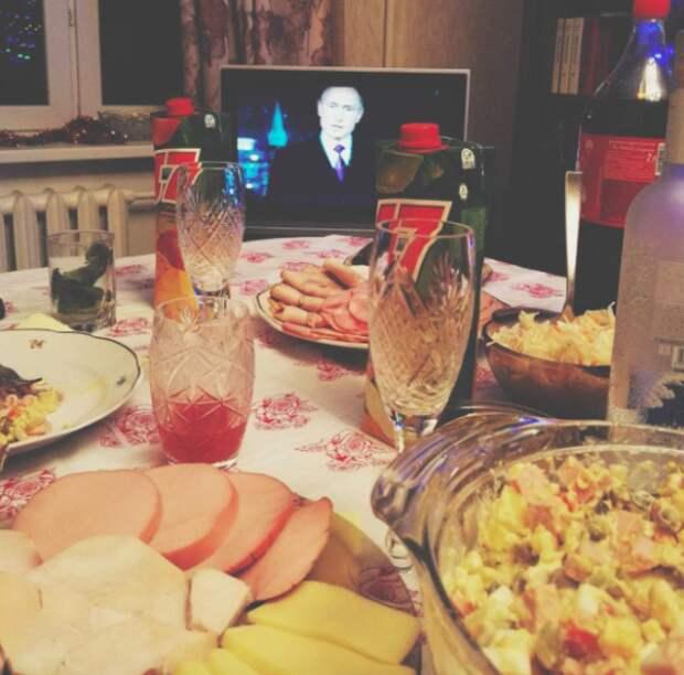 Иностранцы смотрят фото из российского инстаграма Tjournal, Buzzfeed, Иностранцы, Юмор, Длиннопост, Россия