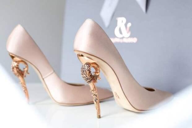 Невероятные туфли и платья от бренда Ralph&Russo