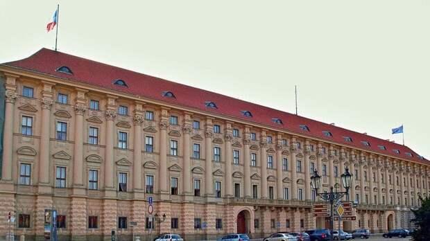 Змеевский приехал на встречу с представителями МИД Чехии