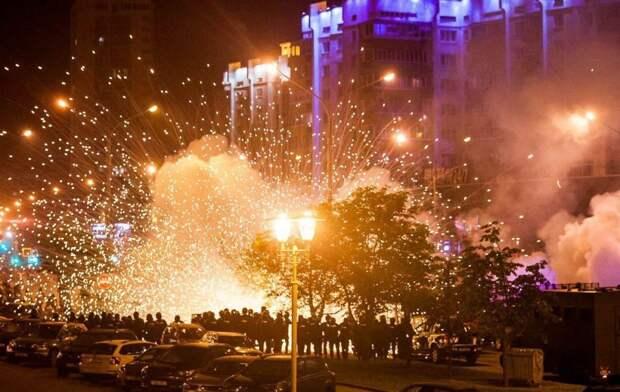 ⚡️17 фото и видео протестов в Беларуси. Люди требуют отставки Лукашенко