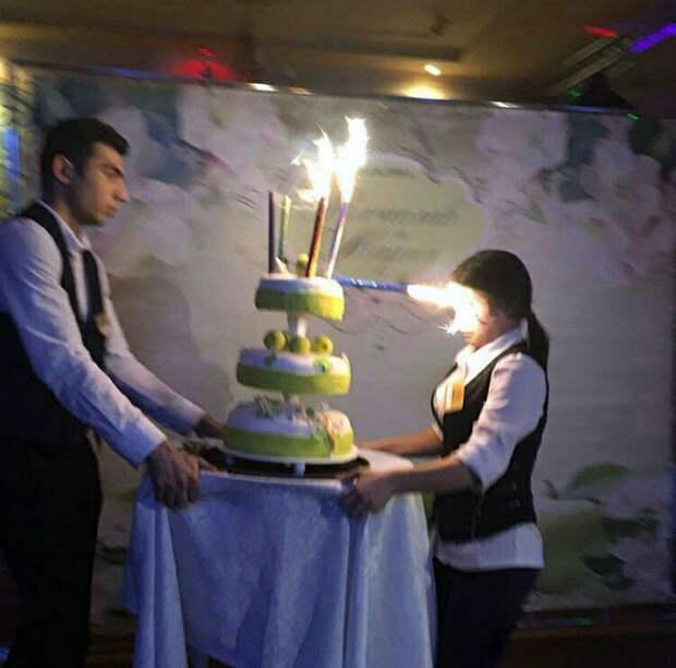 Эффектный трюк со свечой.
