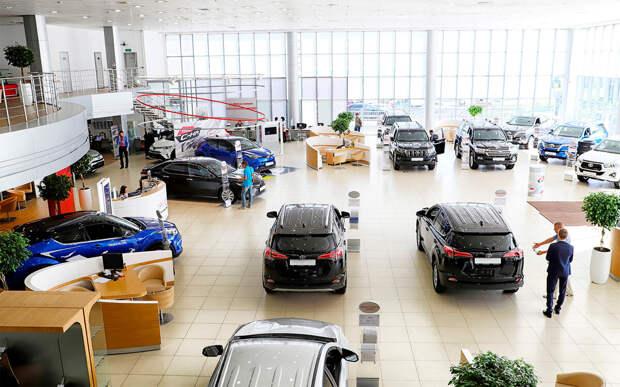 Дефицит новых автомобилей в России: c чем связан и когда закончится?