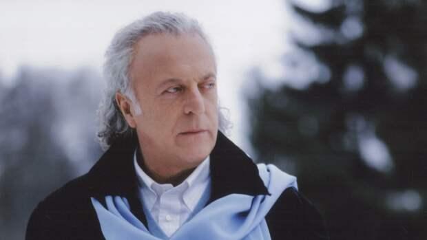 Поэт-песенник Илья Резник высказался об использовании фонограммы на шоу «Маска»