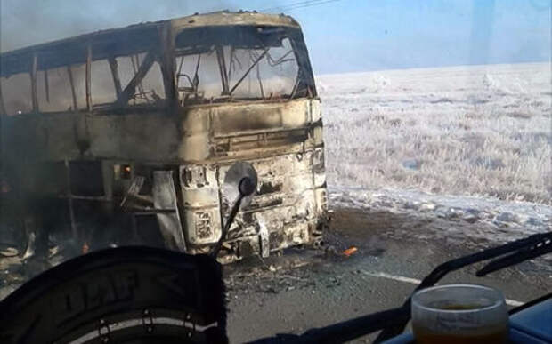 Страшная авария с автобусом в Казахстане: 52 человека погибли