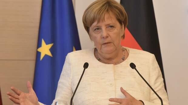 Меркель заявила, что ЕС и НАТО не являются врагами России