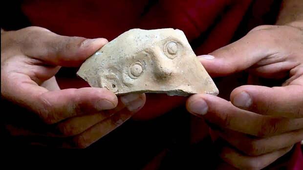 Лицо Беса: в Иерусалиме впервые нашли изображение египетского бога добра