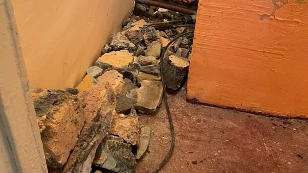 СК начал проверку из-за выдачи инвалиду в Крыму квартиры с осыпающимися стенами