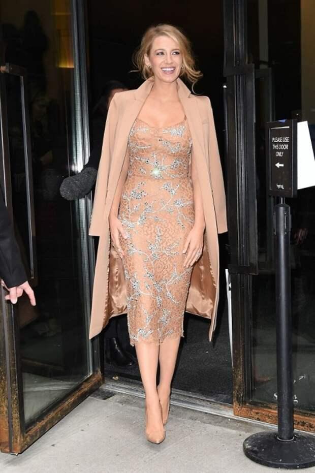 Блейк Лайвли на показе модного бренда Michael Kors в рамках недели моды в Нью-Йорке. / Фото: elle.ru