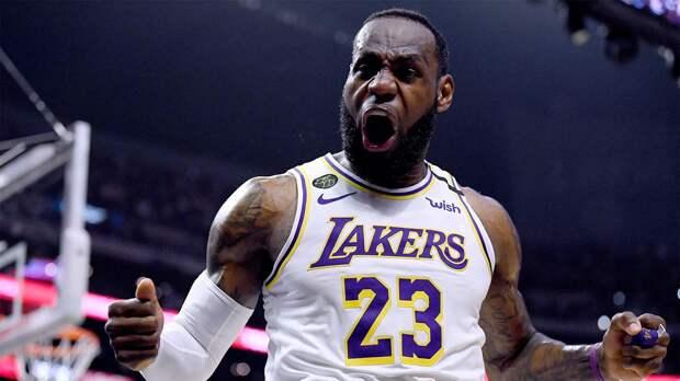 Форвард «Лейкерс» Леброн Джеймс вышел на 3-е место по количеству точных бросков в истории НБА