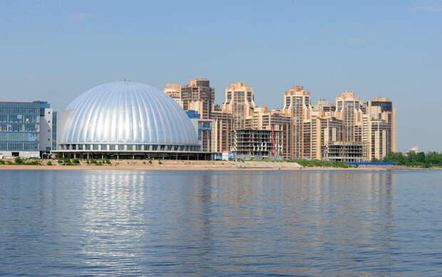 DSC 52021 Нефасадный Петербург: вид с воды