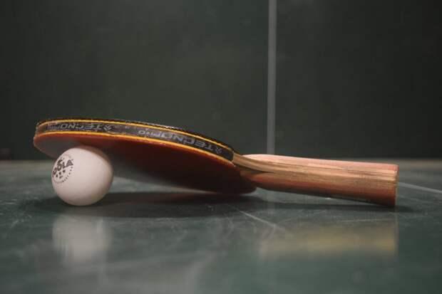 Команда Левобережного стала третьей на Окружных соревнованиях по настольному теннису
