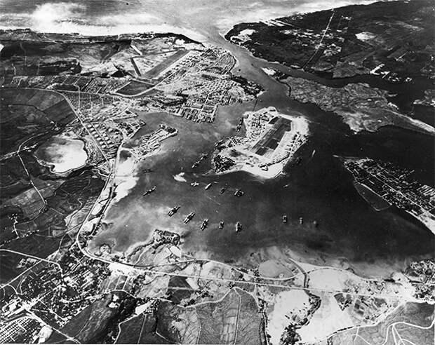 Вид с воздуха на американской военно-морской оперативной базы, Pearl ...