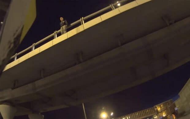 Мотоциклист спас самоубийцу на Минском шоссе