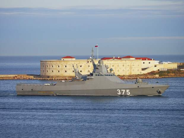 ВМС России перебросили корабль-невидимку в сирийский Тартус