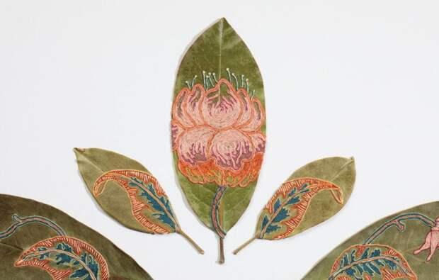 Вышивка на листьях